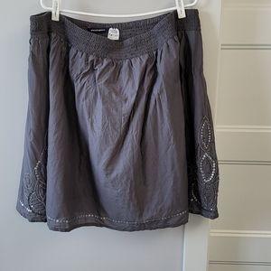 Penningtons ladies grey skirt with beading.  2x.